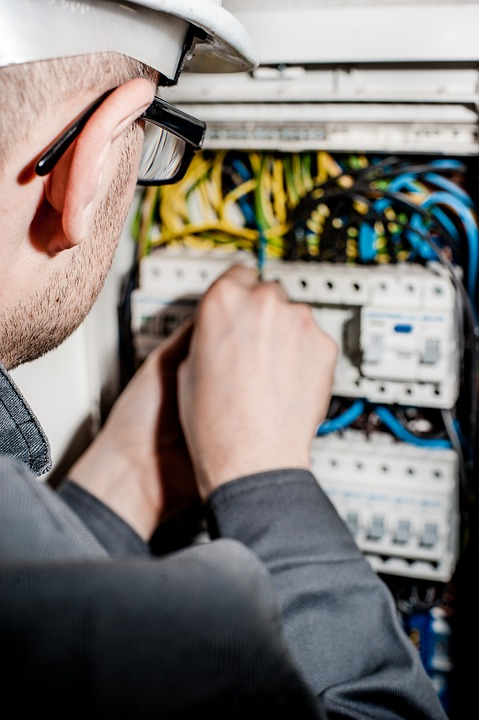 electrician-1080574_960_720